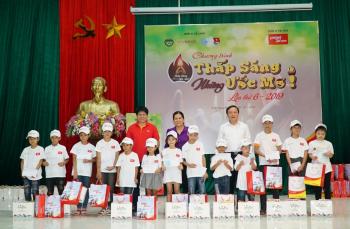 Vietjet đồng hành 'thắp sáng những ước mơ' cho hàng ngàn em nhỏ các tỉnh phía Bắc