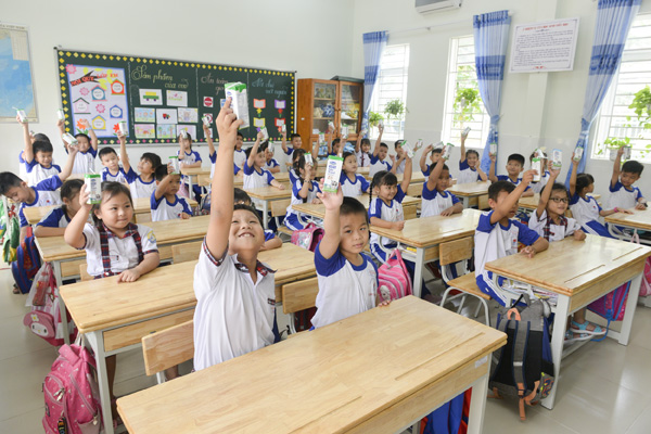 Sữa học đường TPHCM: Chương trình nhân văn đem lại nhiều niềm vui cho con trẻ