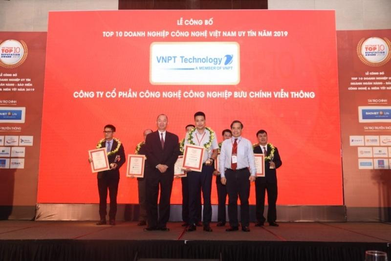 Nhiều đơn vị của VNPT đạt chứng nhận Top 10 doanh nghiệp công nghệ Việt Nam uy tín năm 2019