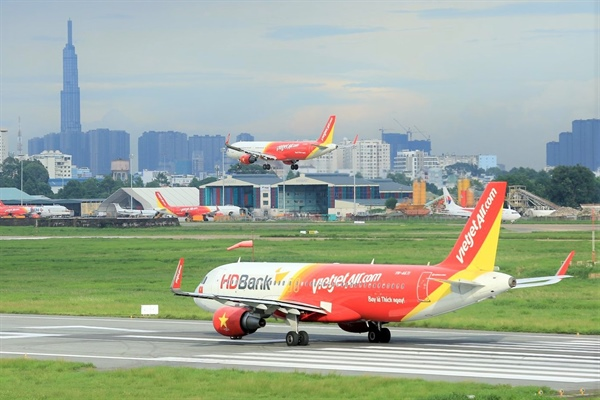 Ảnh hưởng của biểu tình, tạm ngừng khai thác chuyến bay đến và đi Hong Kong
