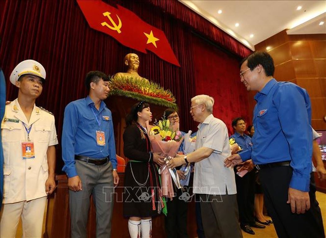 vao trung uong khong phai de oai hay kiem chac cai gi ma de cong hien hy sinh
