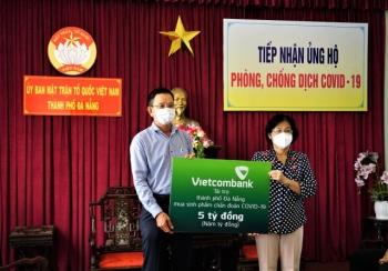 vietcombank ung ho 5 ty dong chung tay cung thanh pho da nang day lui covid 19