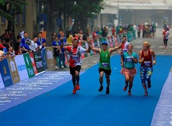 to chuc giai chay vpbank hanoi marathon asean 2020