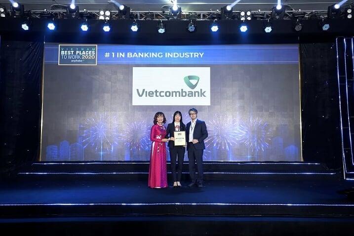 Vietcombank 5 năm liên tiếp là ngân hàng có môi trường làm việc tốt nhất Việt Nam