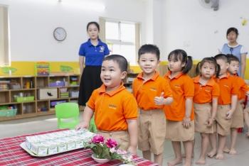 """Chương trình Sữa học đường - """"Trăm nghe không bằng mắt thấy"""""""