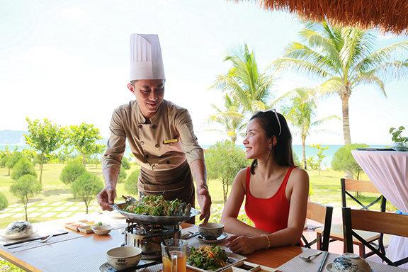 nha hang hai san huong bien net cham pha doc dao cua he thong flc hotels resorts