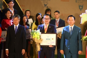 seabank duoc vinh danh top 10 doanh nghiep phat trien ben vung viet nam 2019
