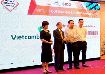 vietcombank duoc vinh danh la ngan hang chuyen doi so tieu bieu nam 2020