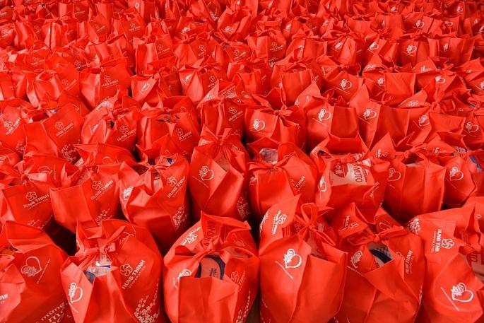 xuan 2020 tap doan hung thinh trao hon 2500 phan qua den nguoi dan binh dinh khanh hoa