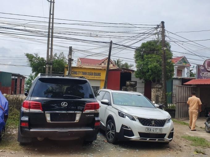 Công an Thanh Hóa tạm giữ xe sang, biển số 'khủng'