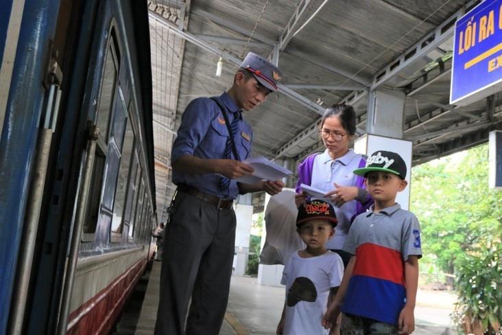"""Hành khách có thể mua vé tàu giá rẻ theo chương trình kích cầu """"5.000 vé giảm giá 50%"""""""