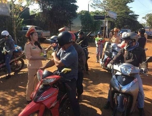 Đắk Nông: Lực lượng CSGT với nghĩa cử cao đẹp