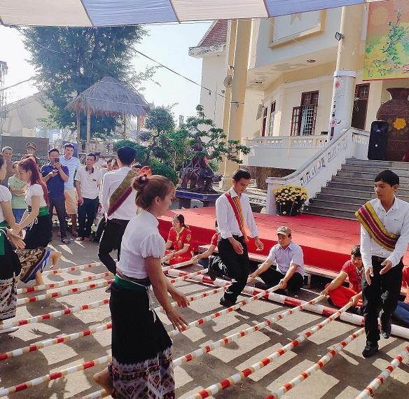 Kon Tum: Tổ chức chương trình 'Sắc xuân - Xuân Kỷ Hợi 2019'