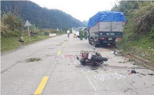Kon Tum: Tai nạn thương tâm, 2 du khách người Đức tử vong