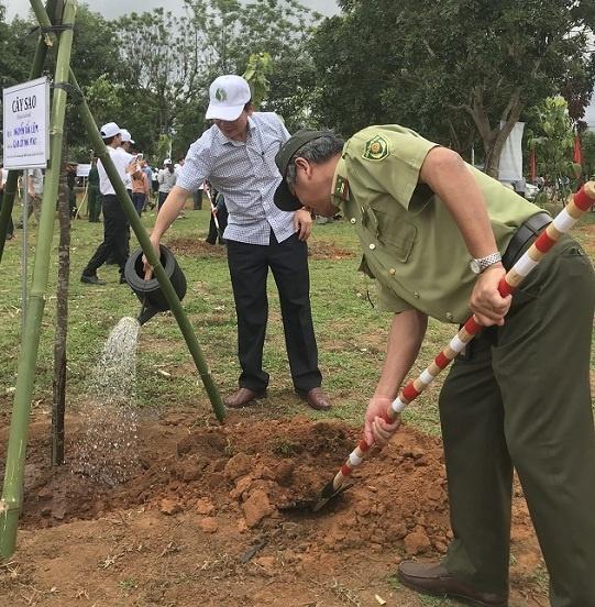 Kon Tum: Lễ phát động Tết trồng cây đời đời nhớ ơn Bác Hồ