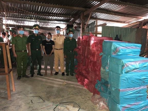 Kon Tum: Phát hiện và giám định hơn 1000 kg hàng cấm
