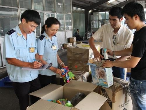 Hoàn thuế GTGT đối với hàng hóa của người nước ngoài, người Việt Nam định cư ở nước ngoài mang theo khi xuất cảnh?