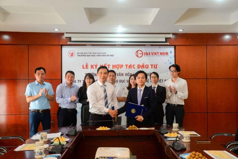 Lễ ký kết biên bản hợp tác giữa Trường Đại học Văn hóa Hà Nội và Công ty TNHH Phát triển Giáo dục và Công nghệ I&E Việt Nam