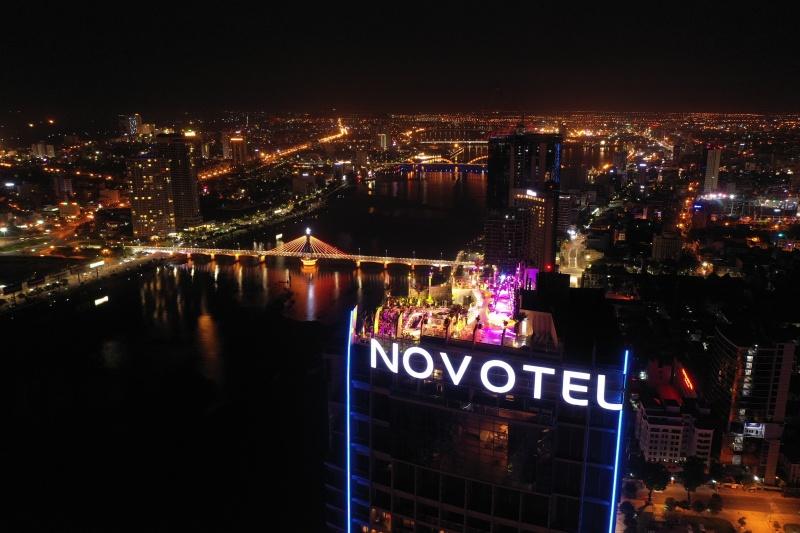 """Quyết """"đánh thức"""" nền kinh tế đêm ngủ quên bên sông Hàn"""
