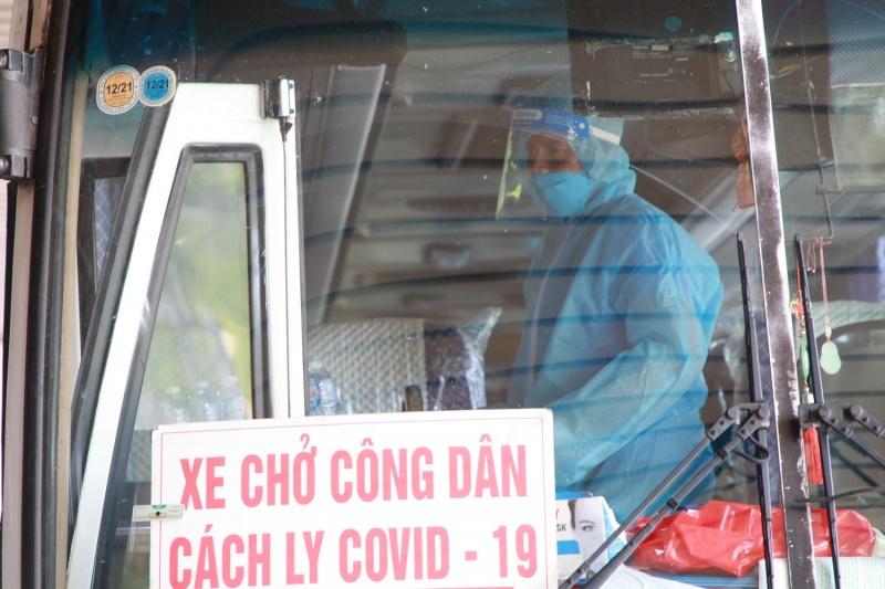 hai chuyen bay cho 345 khach co ho chieu vac xin tu my ha canh tai san bay van don