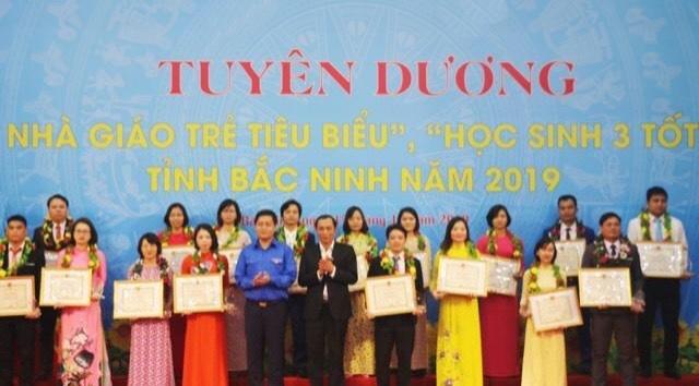 """Chào mừng Ngày 20/11, tỉnh Bắc Ninh tuyên dương """"Nhà giáo trẻ tiêu biểu"""", """"Học sinh 3 tốt"""""""