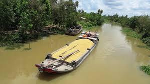 """Đường thủy nội địa được coi là hệ thống """"luồng xanh"""" để thúc đẩy lưu thông lúa gạo"""