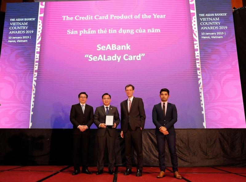 """Thẻ tín dụng quốc tế SeALady nhận thưởng """"Sản phẩm thẻ tín dụng tiêu biểu năm 2018"""""""