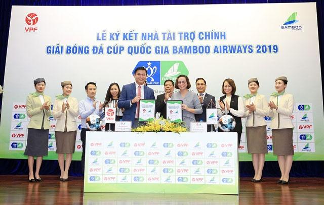 Lễ ký kết nhà tài trợ chính Giải Bóng đá Cúp Quốc Gia Bamboo Airways 2019