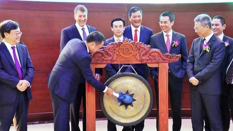 techcombank chinh thuc niem yet hon 116 ty co phieu ma tcb tren so giao dich chung khoan tp ho chi minh