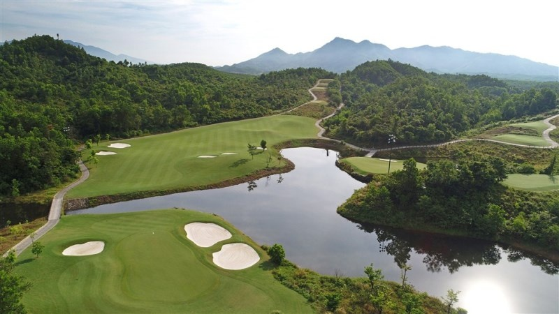 ba na hills golf club duoc binh chon top 10 san golf hang dau viet nam