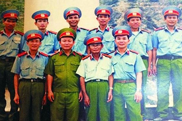 nguoi anh hung hai lan lam le truy dieu song o nga ba dong loc