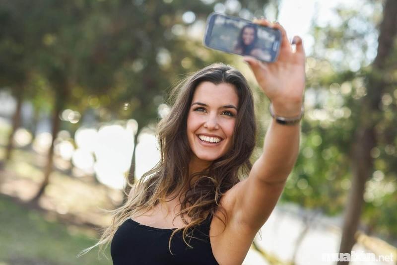 Đi để chụp ảnh Check in - Liệu chúng ta đã thật sự du lịch đúng nghĩa?
