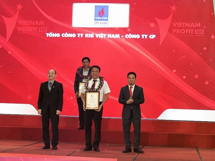 vietnam report vinh danh pvn dung dau top 500 doanh nghiep co loi nhuan tot nhat viet nam nam 2018