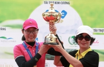 golfer 14 tuoi vo dich giai golf nu nghiep du quoc gia 2017
