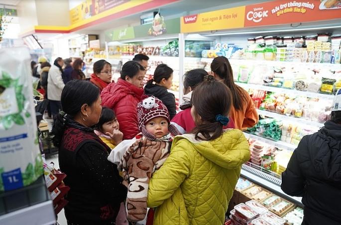dong loat khai truong 117 cua hang vinmart ham nong thi truong ngay cuoi cung nam 2018