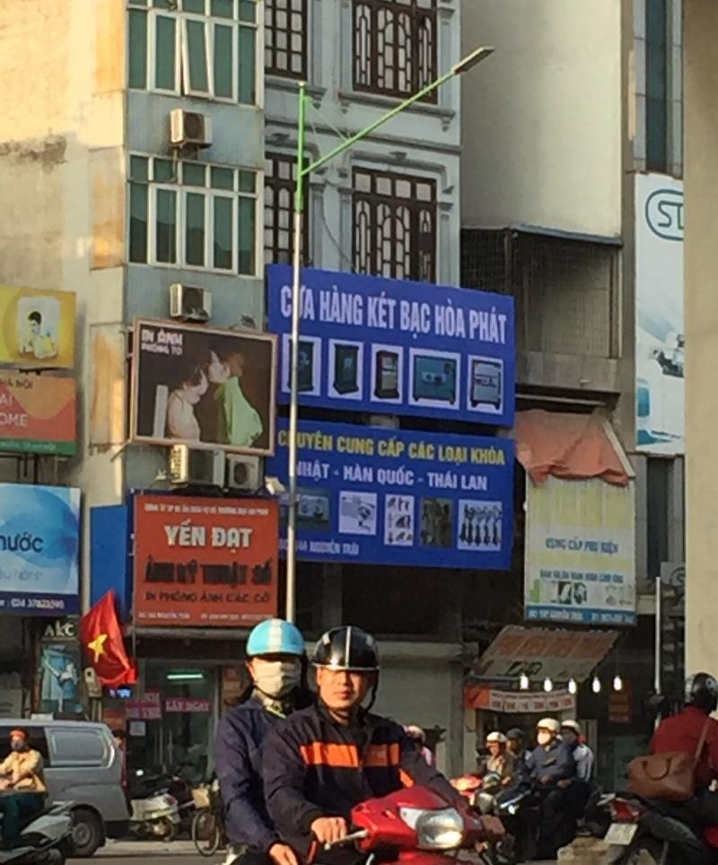 """Vụ nhà dân sửa """"đè bẹp"""" đường Nguyễn Trãi, phường Thượng Đình yêu cầu tháo dỡ vi phạm"""