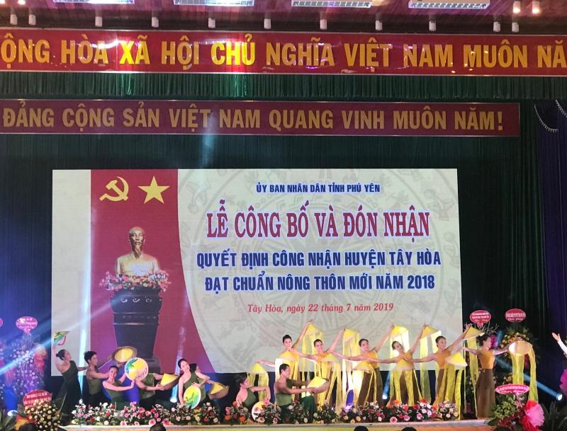 Phú Yên: Phó Thủ tướng Vương Đình Huệ trao Quyết định công nhận Tây Hòa là Huyện Nông thôn mới