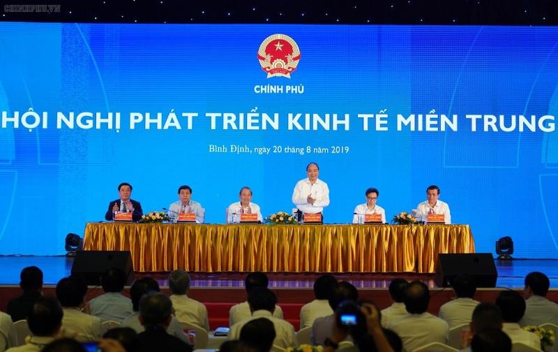 Thủ tướng Chính phủ chủ trì Hội nghị phát triển kinh tế Miền Trung tại Bình Định