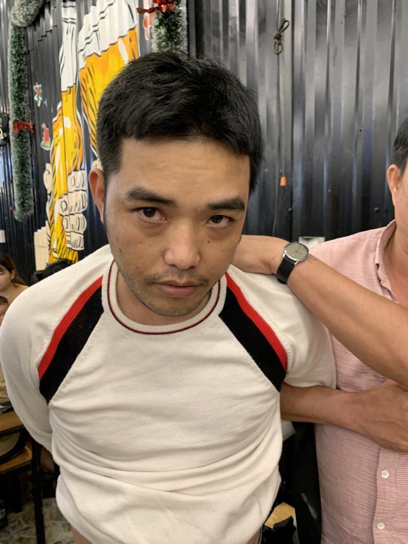 Đà Nẵng: Bắt đối tượng bị truy nã, phát hiện chứa ma tuý, súng ngắn