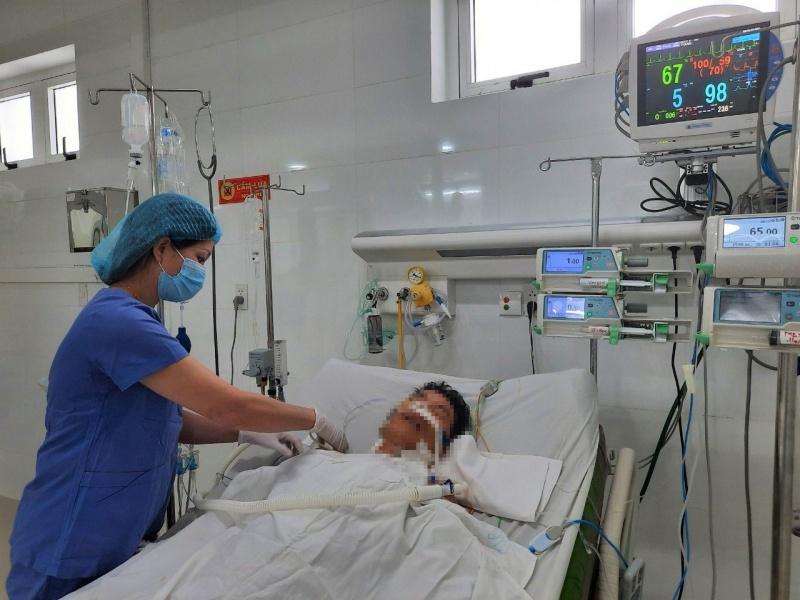 Cứu bệnh nhân bị nhồi máu cơ tim cấp gây biến chứng hở van 2 lá cấp
