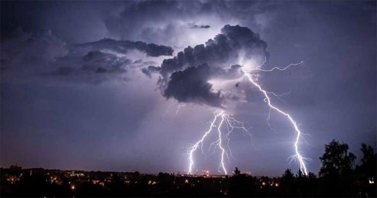 Thời tiết ngày 30/7: Bắc Bộ, Nam Bộ mưa giông kèm hiện tượng nguy hiểm