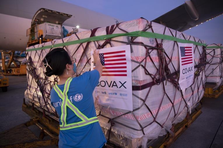 Các tập đoàn bán lẻ kêu gọi Tổng thống Mỹ viện trợ thêm vaccine cho Việt Nam