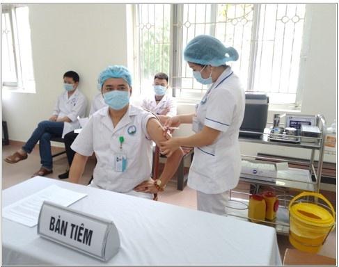 Hoà Bình : Trên100 mũi tiêm vắc xin phòng Covid-19 trong đợt 3