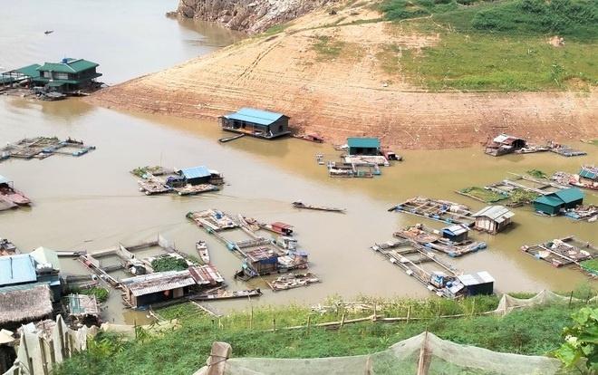 Hoà Bình: Phòng tránh thiệt hại cho các địa phương nuôi cá lồng, bè