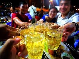 phu hoa phu yen truong phong uong ruou bia lai xe vao duong cam