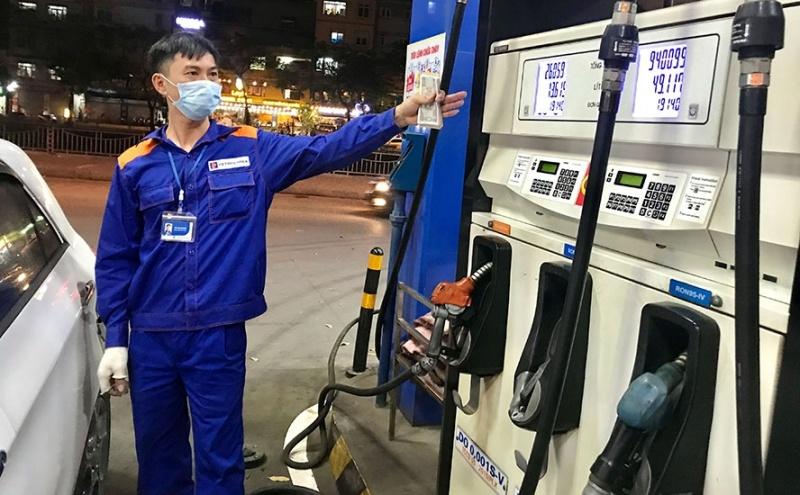 Giá xăng dầu đồng loạt tăng từ chiều ngày 25/9