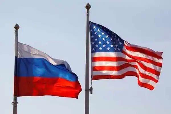 Mỹ & Nga leo thang căng thẳng ngoại giao
