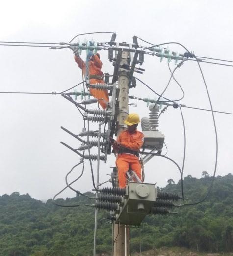 Nắng nóng gay gắt, ngành điện khuyến nghị khách hàng sử dụng tiết kiệm điện