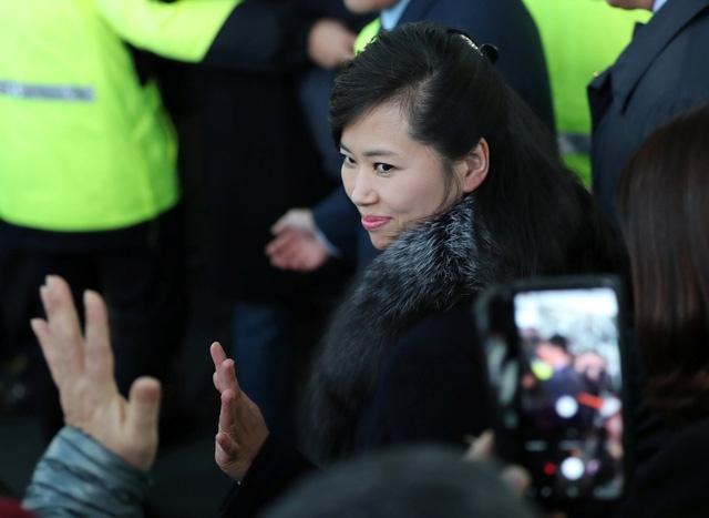 """Bí mật về người phụ nữ Triều Tiên xinh đẹp đang gây """"sốt"""" ở Hàn Quốc"""