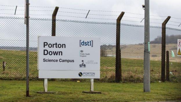 """Tiết lộ gây sốc về """"quá khứ"""" của phòng thí nghiệm Porton Down"""